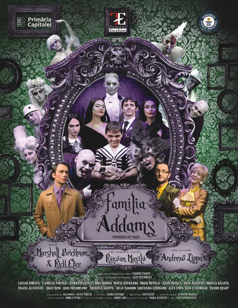backlit-Familia-Addams